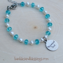 """Mermaid Soul"" Bracelet with Pearls & Glass Crystals"