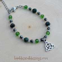 Triquetra Bracelet with Bloodstone, Glass Crystals & Hemalyke