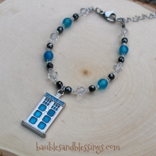 Police Box Bracelet with Dyed Agate, Glass Crystals & Hemalyke