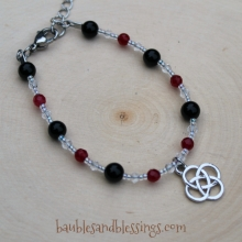 Knotwork Bracelet with Onyx, Red Agate & Glass Crystals